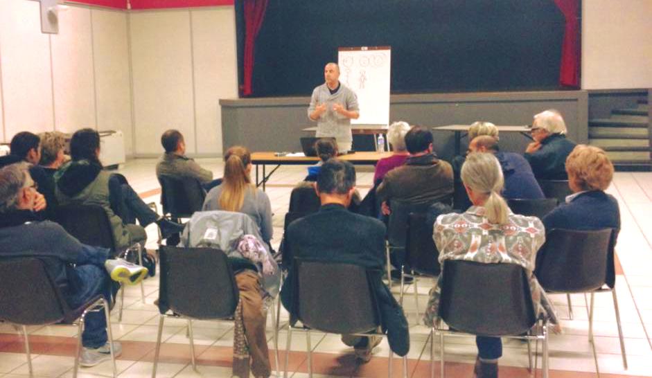 conférence développement personnel centre social les couleurs du monde de Lorette atelier coloressence