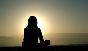 Méditer pour vivre intensément - Méditation silencieuse à l'atelier coloressence Saint Martin la Plaine