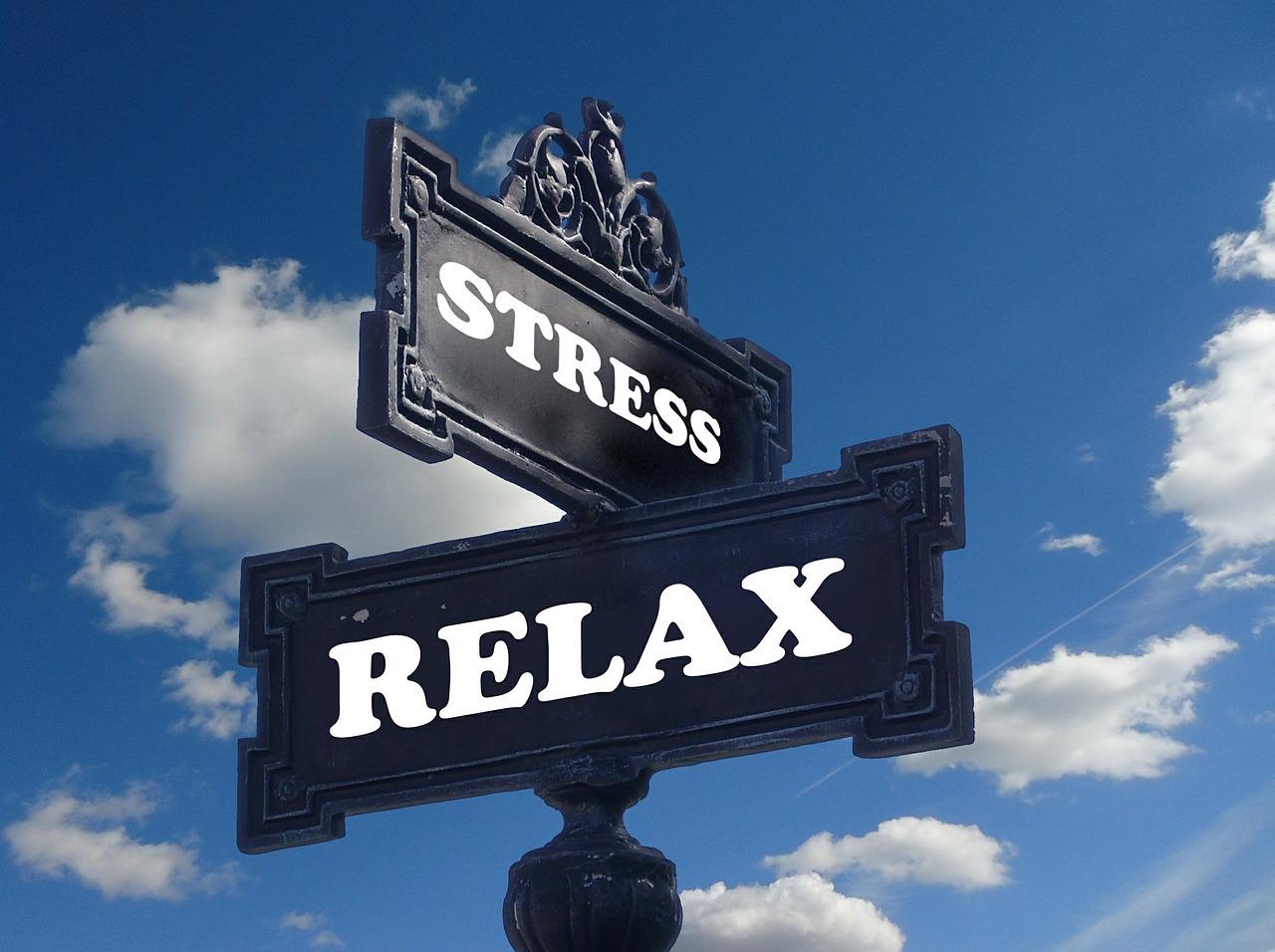 Quelle est la différence entre une thérapie, une approche méditative ou de développement personnel ?